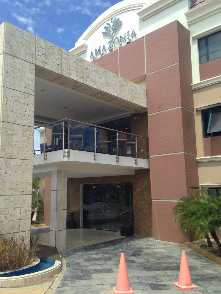 [Armando Iachini] Hotel Amazonia: A Construction by Yamaro